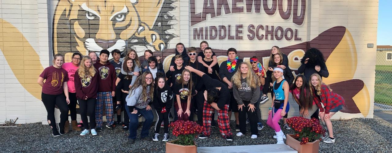 Lakewood Middle School / Homepage